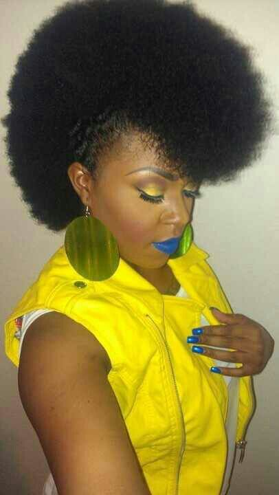 Okay, I'm super jealous of her awesome fro-hawk! #NaturalHair #afro
