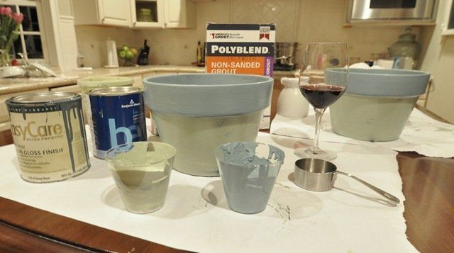 Centsational Girl » Blog Archive » Make Your Own Colored Chalkboard Paint