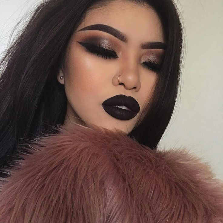 Dark lip and bold eyeshadow look! ❥Pinterest :Thatsmarsb <- FOLLOW FOR MORE!