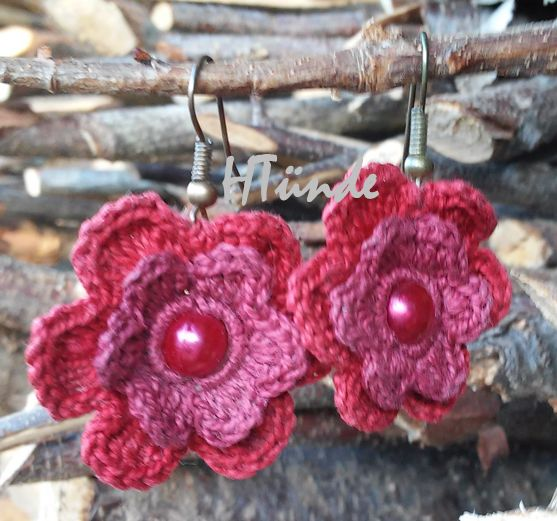 Bordeaux crocheted earrings. I'm a bit disappointed with the colours in this photo because in reality they are much darker.