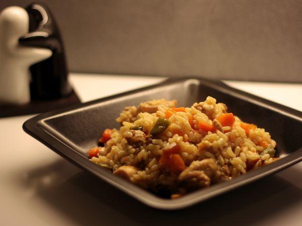 Rețetă Orez cu pui si legume, de JustLoveCookin - Petitchef