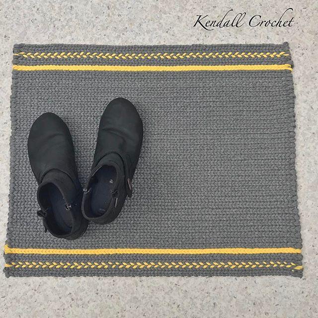 #kendallcrochet #tshirtyarn #crochetbasket #crochetrug #fiberarts #ragrug #twinedrugs #crochet #knitting