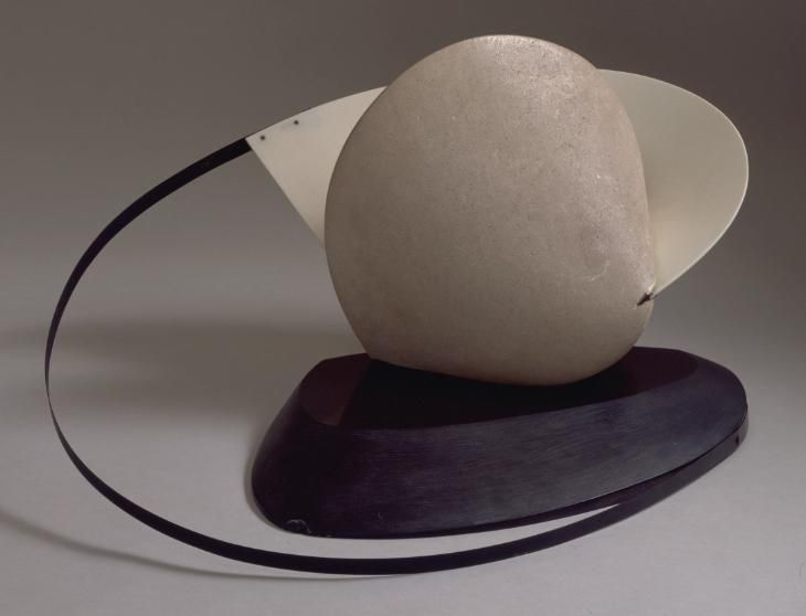 Naum Gabo, Construction: Stone with a Collar. 1933, this version c. 1936-7