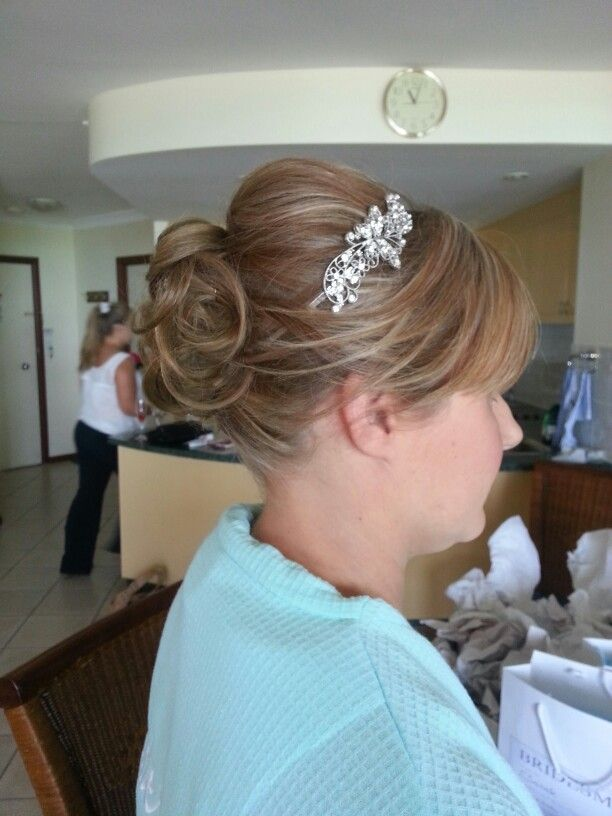Bridesmaids hair #upstyle #wedding