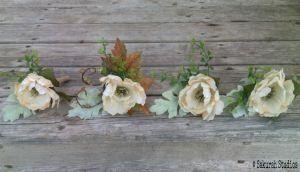 Fall boutonnieres http://sakurahsflowerstudio.wordpress.com/2014/10/12/rustic-and-vintage-wedding-flowers/