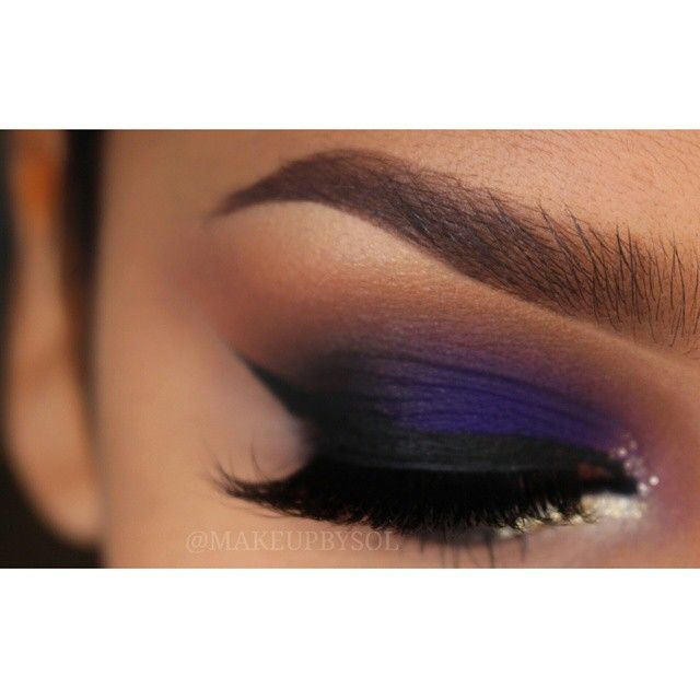 ♡a royal blue adds so much intensity to this smokey eye