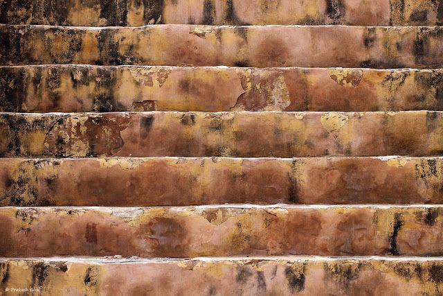 Abandoned Stairs, buy photos online, Decayed Stairs, Geometry, Grunge Textures, India, Jaipur, Lines, Minimal Art Photographers, Minimalism Blog, Old Stairs, Old Steps, Prakash Ghai, Simple Geometry