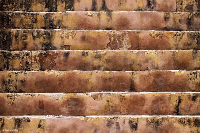 Abandoned Stairs, buy photos online, Decayed Stairs, Geometry, Grunge Textures, India, Jaipur, Lines, Minimal Art Photographers, Minimalism Blog, Old Stairs, Old Steps, Prakash Ghai, Simple Geometry