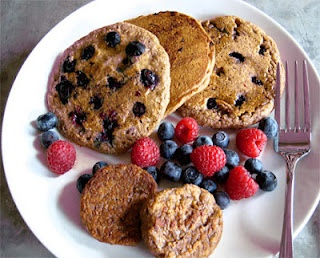 Vegan Blueberry Pancake Recipe - ChefTap can import all of the recipes on a pinboard automatically!    https://market.android.com/details?id=com.mindframedesign.cheftap.beta