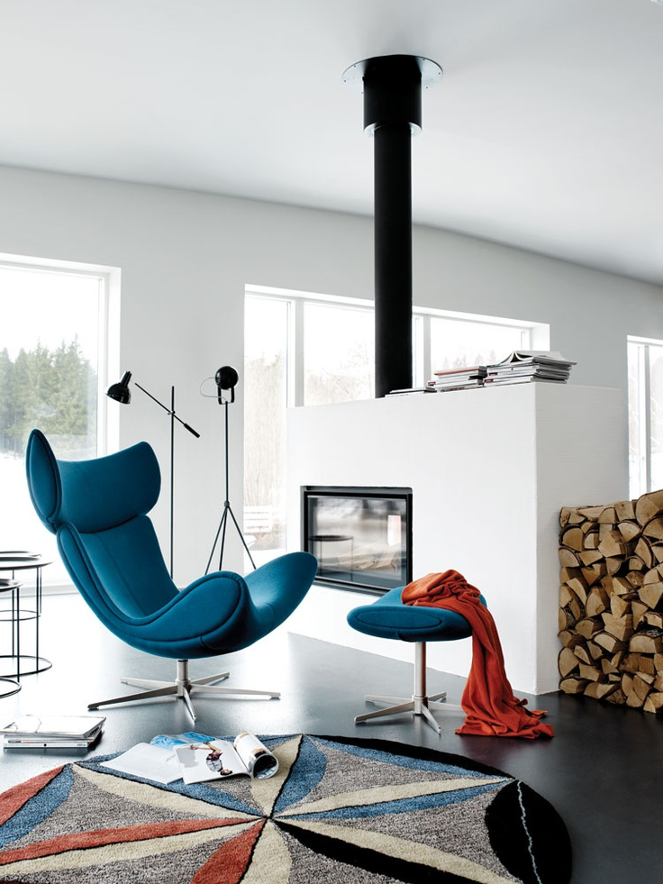 Henrik Pedersen's iconic imola chair for BoConcept. In my opinion - a vague imitation of Jacobsen's Egg chair...
