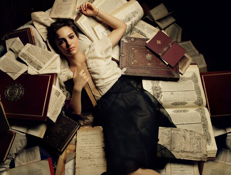 Natalie PortmanOld Book, Natalie Portman, Reading, Beds, Natalieportman, James White, Beautiful, Soft Lights, Actresses