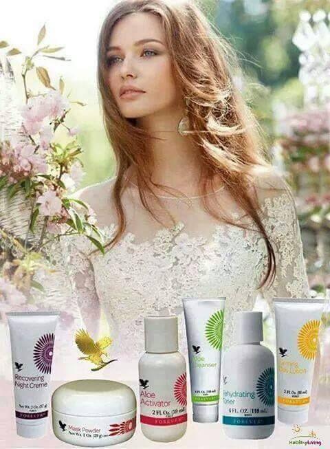 Aloe Fleur de Jouvence -  Aloe alapú regeneráló szépségápolási készlet http://360000339313.fbo.foreverliving.com/page/products/all-products/5-skin-care/337/hun/hu Segítsünk? gaboka@flp.com Vedd meg: https://www.flpshop.hu/customers/recommend/load?id=ZmxwXzk2NzM=