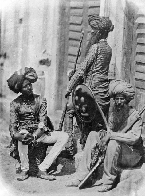 Rare Photos Of Indian Mutiny / Sepoy Mutiny / Indian Rebellion / Uprising Of 1857 Afghan Sikh Officers of Hodson's Horse, a cavalry regiment of the British Indian Army, during the Indian Mutiy Of 1857.