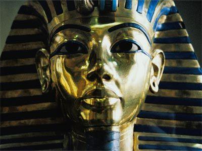Tutankhamun's Death Mask - Tombs of Kings