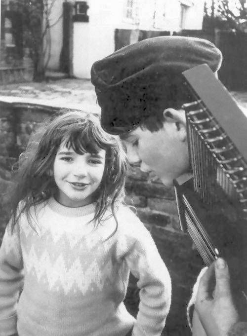 a beautiful, very young kate bush singing folk songs with her brother paddy