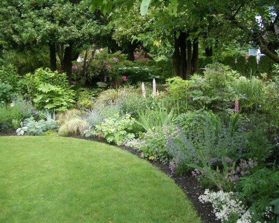 border: Garden Ideas, Garden Design, Yard, Gardens, Traditional Landscape, Landscapes