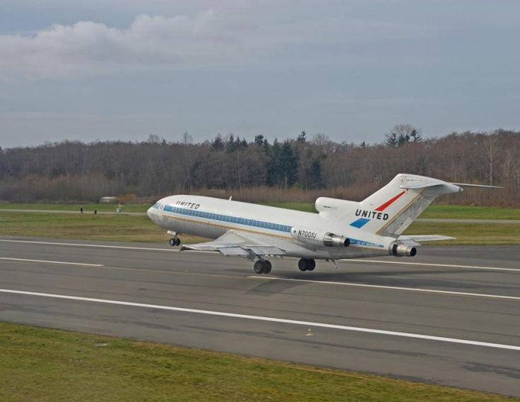 The first Boeing 727 lifting off from Paine Field - Photo: Chuck Lyford and Jim Larsen