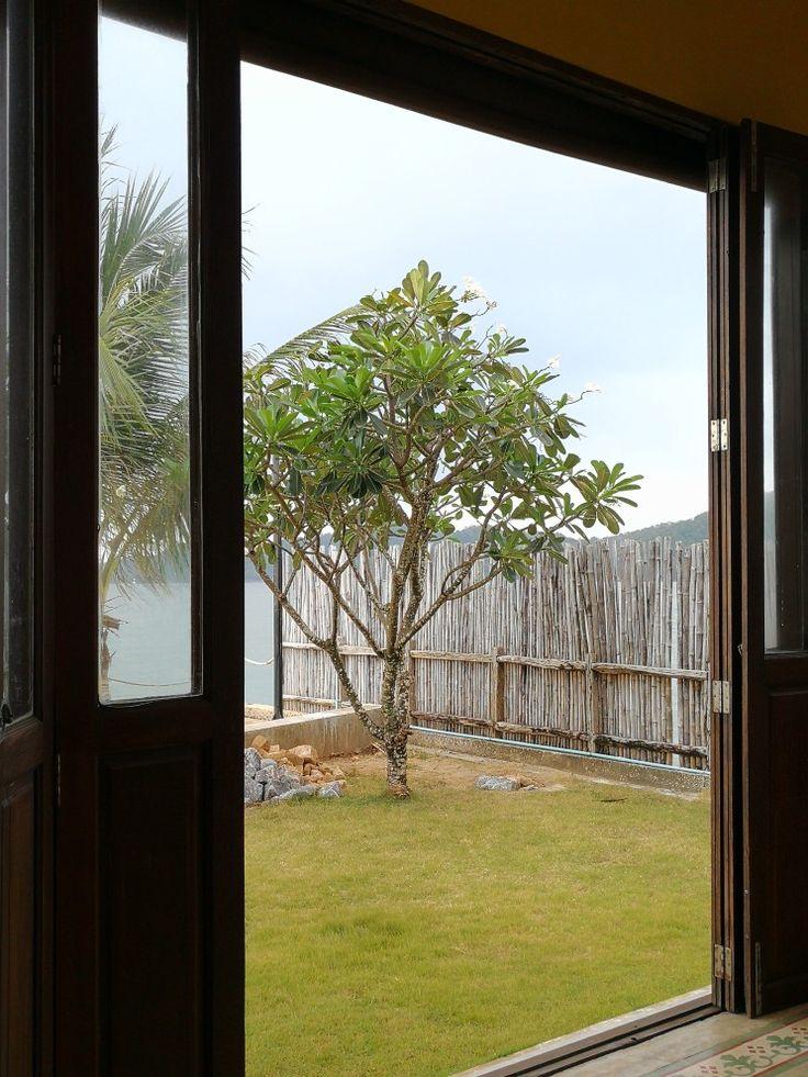 #tree #beach #resort #Chanthaburi #sea