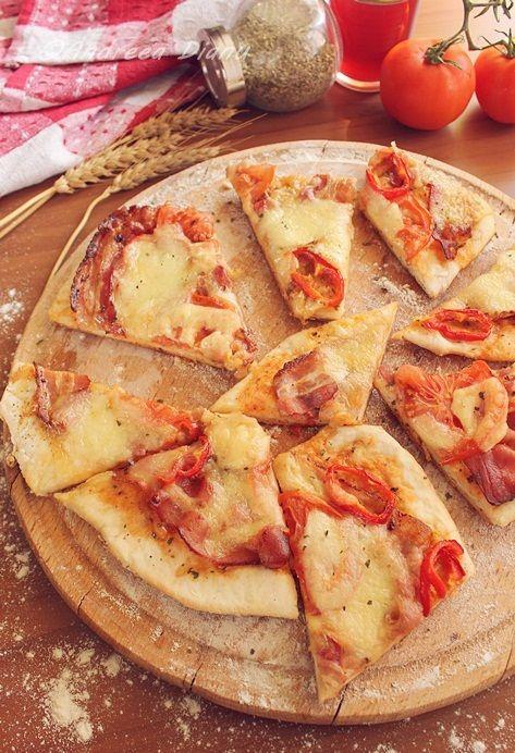 O pizza delicioasa, usor de facut si de mare efect. Cu aceasta pizza va puteti rasfata la pranzul dintr-o zi banala si astfel o transformati intr-o zi perfecta 🙂 Se poate pune foarte usor la pachet si doar sa o incalziti la cuptorul cu microunde sau se poate manca rece, este la fel de …
