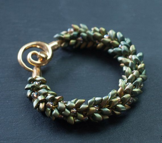 Golden- green beaded ladies' bracelet