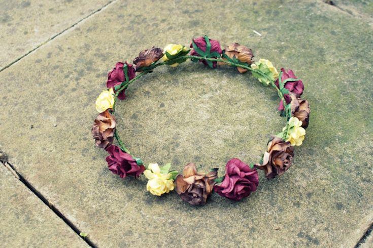 Manual de uso de las coronas de flores en el pelo: Esperanza de la Fuente