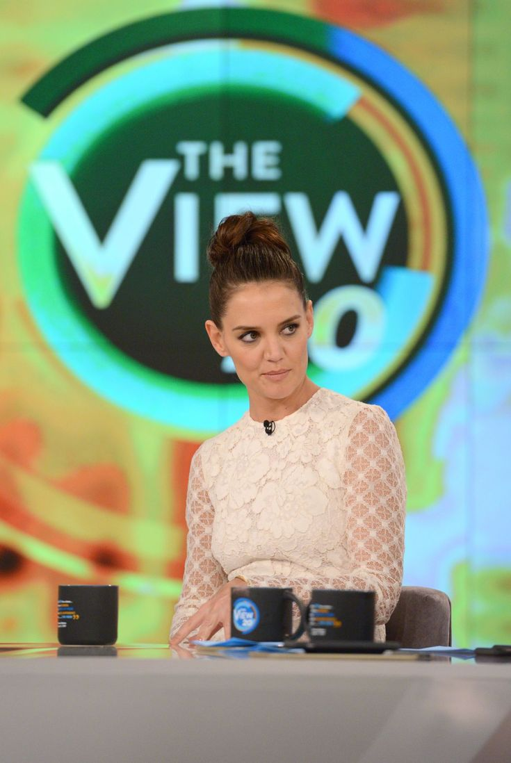 Katie Holmes #KatieHolmes Appeared on The View TV Show in New York 29/03/2017 Celebstills Katie Holmes