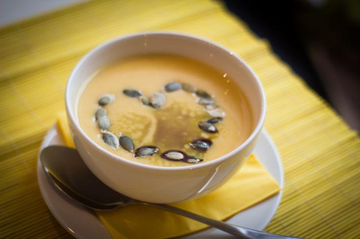 Poctivá dýňová polévka #soupinthecity #fusionhotel www.soupinthecity.cz