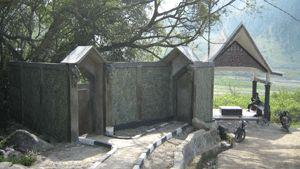 SAMOSIR, (Tubas) - Pemerintah Kabupaten Samosir membuat program sebagai daerah tujuan wisata merupakan hal yang tepat dan bijak, di mana sebagai daerah asal mula si Raja Batak, Samosir memiliki banyak situs sejarah terkait keberadaan si Raja Batak dan keturunannya.