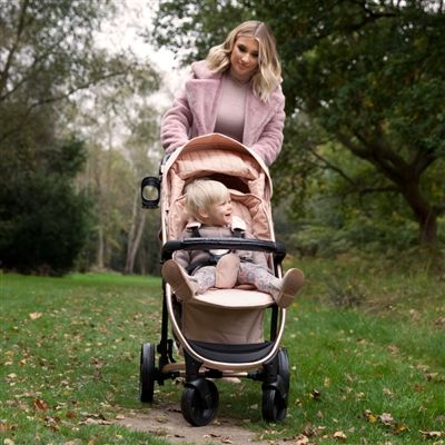 We have fallen in love with BRAND NEW Rose Gold stroller VIEW HERE: https://www.ittybitty.co.uk/product/my-babiie-billie-faiers-mb200-rose-gold-and-blush-pink-travel-system/ PayPal or Credit/Debit card Secure website international shipping #christmas #xmas #pregnant #duedate #babygirl #secondbaby #mumlife #buggy #stroller #pram #rosegold