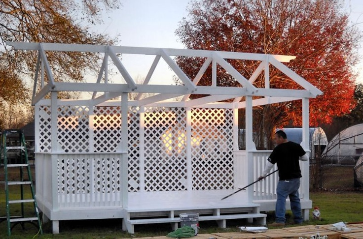 17 best images about old gazebos on pinterest gardens for Wood pallet gazebo