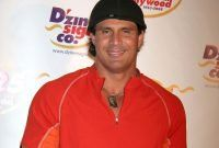👏Former Major League Baseball star Jose Canseco is apparently a big believer in blockchain and cryptocurrencies. Predicts 😵$10,000 Bitcoin By 2018 #CryptoCurrencies endorsed again you in yet? 💰earn some here DM info or check profile link  #justdoit✓ #bitcoinatm #bitcoins #bitcoin #cryptocurrency #crypto #coins #rich #money #usi #usitech #vegas #lasvegas #ico #ethereum #blockchain #investing #youtube #usdt #tether #lolfollow #genetics #science #fantasyart #metal #heavymetal