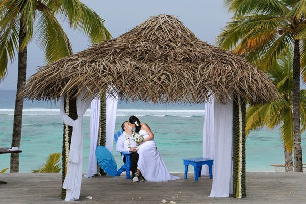 Nothing is more romantic than a wedding at Sunset Resort!