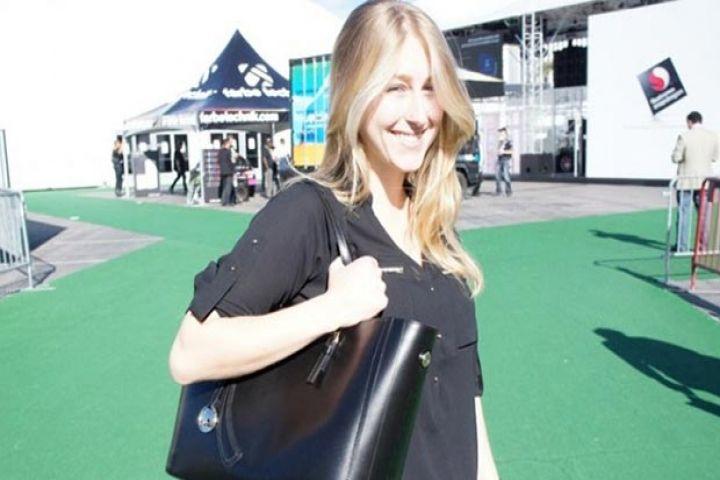 Leoht'un bu çantası, hayatı kolaylaştıracak bir iki özelliğe sahip.  Bunlar, olmazsa olmaz özellikler değiller; ancakçantayı farklı bir noktaya koyduklarını söylemek mümkün. Dışarıdan bakıldığında herhangi bir çantadan farklı görünmeyen ürünün asıl bombaları iç kısmında ortaya çıkıyor. Çantanın 6...