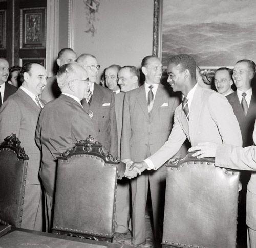 Vargas recebe a Seleção de 1954 Exposiçoes Virtuais - Arquivo Nacional