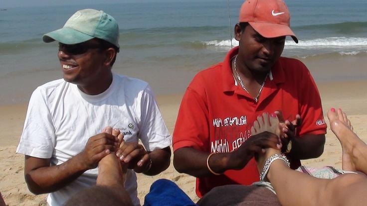 Masajes en la playa...