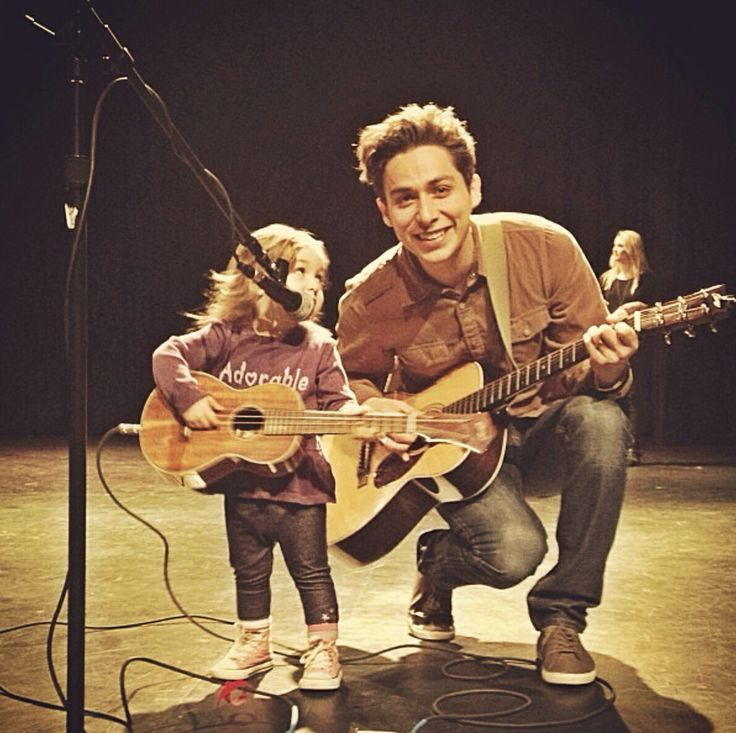 Jason Castro & his daughter! I love this picture...I hate that he cut the dreads off though! :(