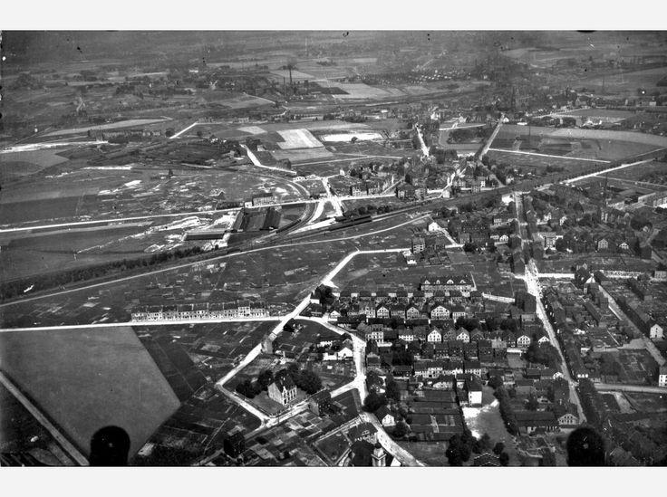 Hier: Flug 10, Bild 235. Position der Kamera: fotografiert über dem heutigen Essen-Kray und Essen-Steele, etwa über dem Bereich zwischen Schönscheidtstraße, Krayer Straße und Am Zehnthof.