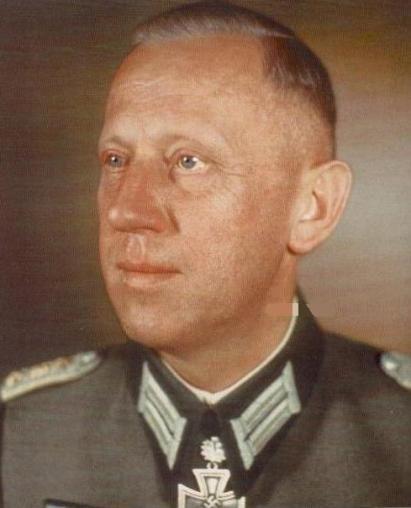 ✠ Georg Koßmala (22 October 1896 – 18 March 1945) Killed in Oberglogau in Lower Silesia. RK 13.03.1942 Oberst Kdr Sich.Rgt 3 285. Sicherungs – Division [435. EL] 26.03.1944 Oberst Kdr Gren.Rgt 6 30. Infanterie – Division