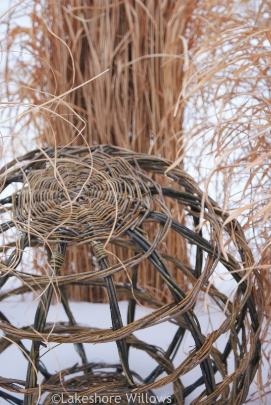 Basket Weaving With Willow Branches : Willows willow globe pro zahradu ideeen voor buiten