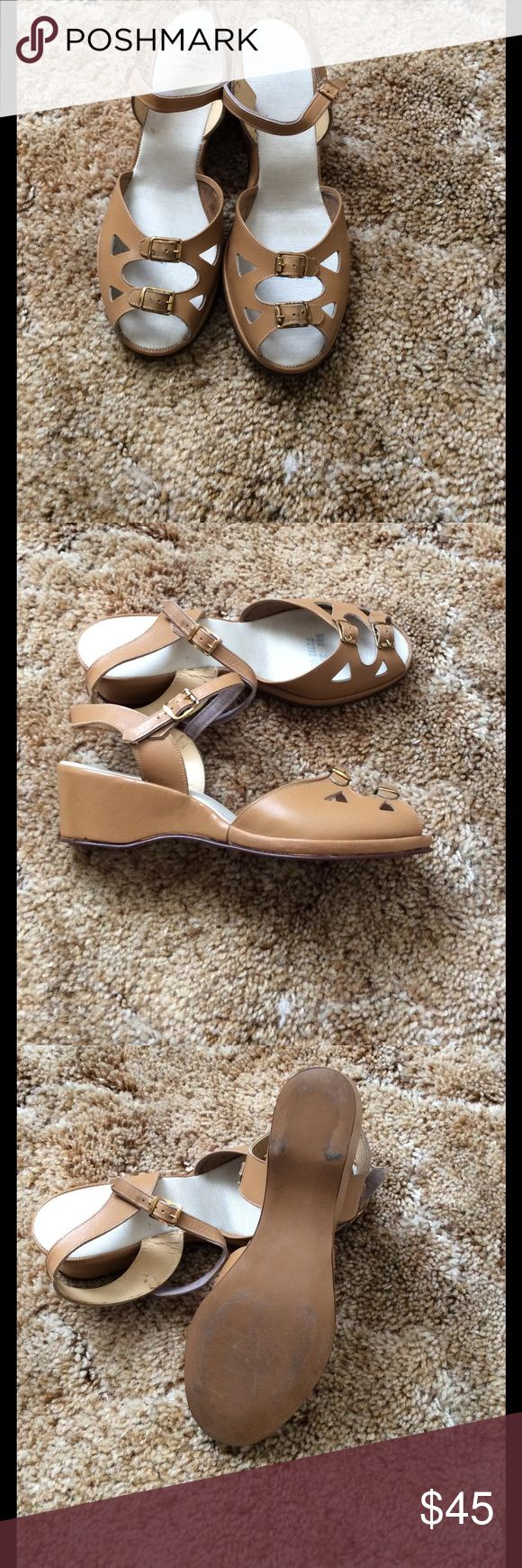 Vintage ladies wedge sandals Vintage (some time mid century)Sandals pretty good shape after so long probably were not used too many times Smart Maid Shoes Platforms