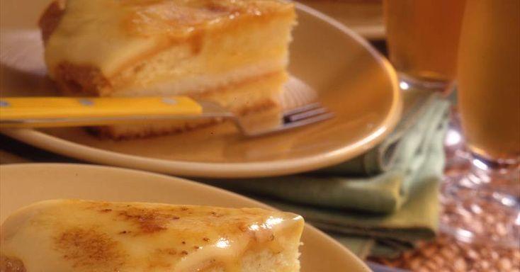 Aprende a preparar Pastel de coco y crema quemada con las recetas de Nestle Cocina. Elabórala en casa con nuestro sencillo paso a paso. ¡Delicioso! #NestleCocina