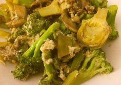 Revuelto de alcachofas, broccoli y champiñones