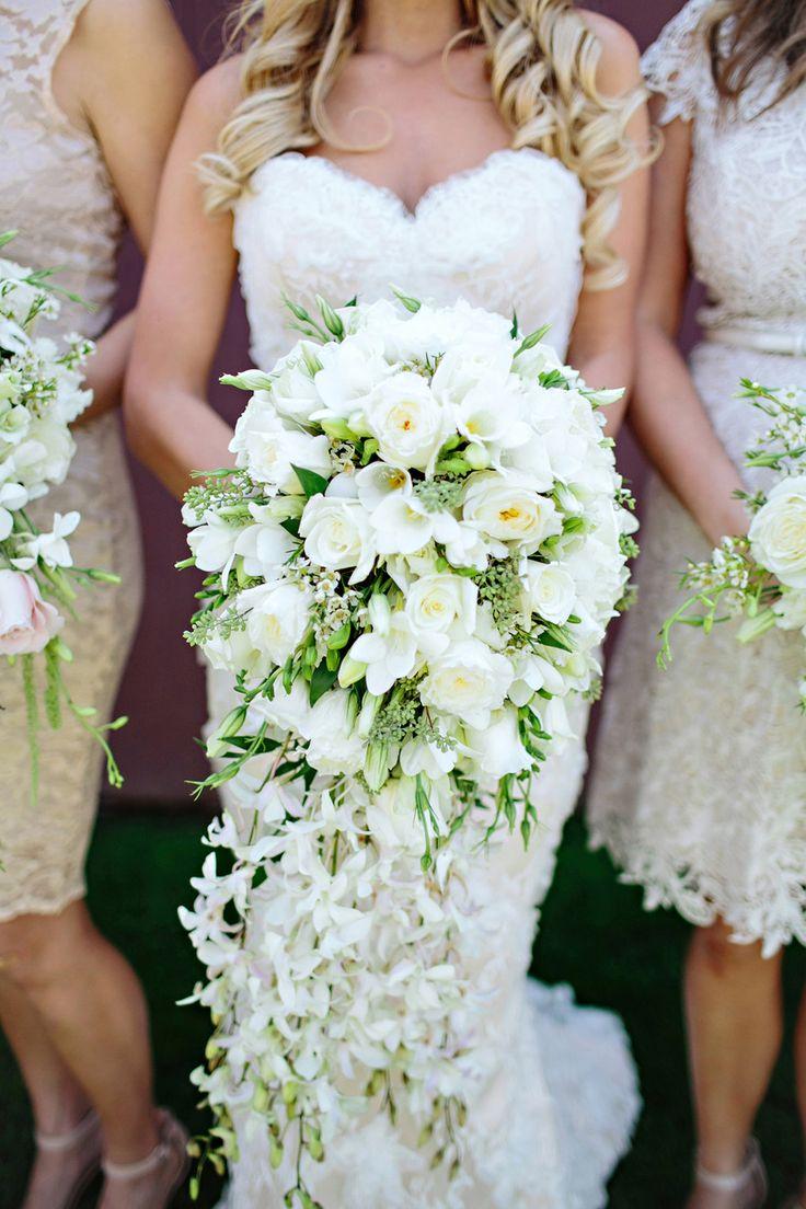 Cascading florals #bouquet