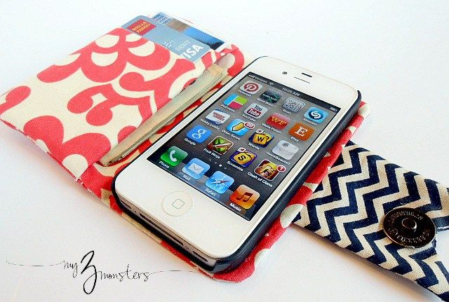 Here is Amy's step-by-step sewing tutorial demonstrating how she made this very handy phone wallet to carry her iPhone, debit/credit cards, and a little cash. Snaps closed with a tab to keep …