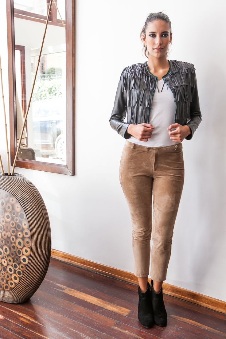 Julia de Rodriguez moda cuero hecho en Colombia. Leather - fashion