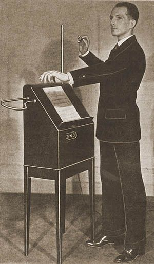 Picture_one_leon_theremin