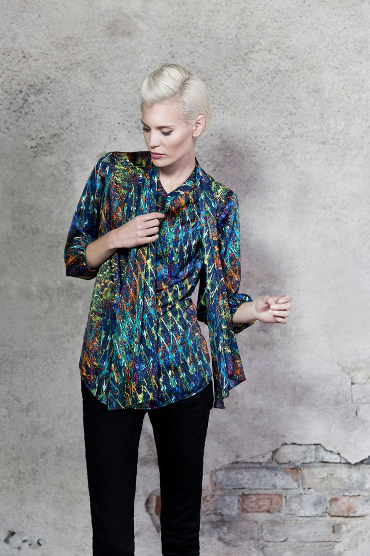 Colorful blouse. www.kriss.eu