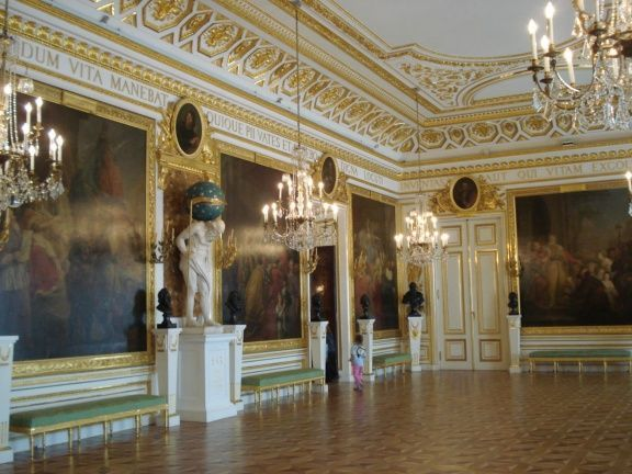 inside-the-royal-castle-warsaw-poland+1152_13114154830-tpfil02aw-27365.jpg (576×432)