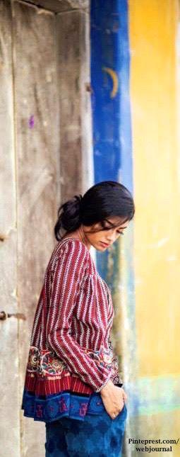 Shalini James' Mantra: Indian by Choice Collection - Kalamkari prints, mashru , Ikat with Jaipur block prints, Khari prints, zari varanasi weaves with embroidery - http://www.mantraonline.net/