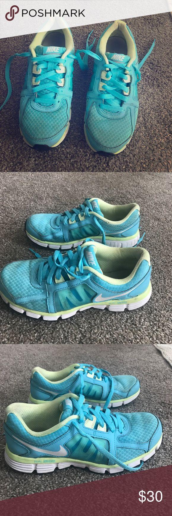 Nike Dual Fusion 8.5 tennis shoes Nike Dual Fusion size 8.5 tennis shoes Nike Shoes Athletic Shoes